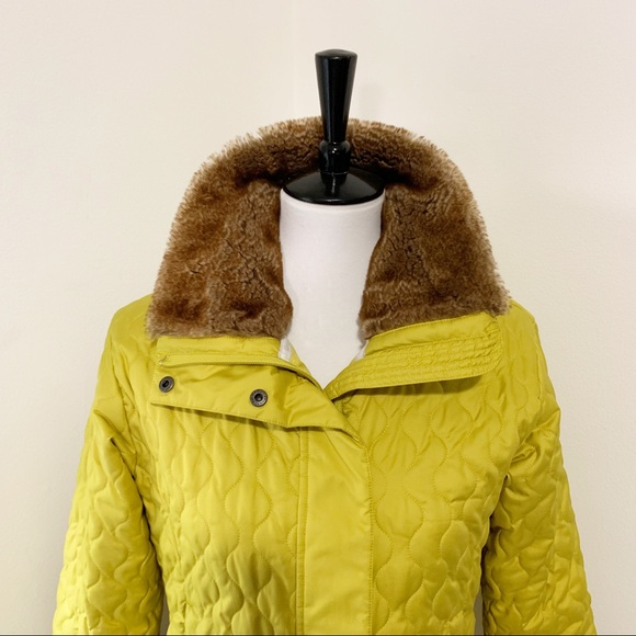 Marmot Quilted Winter Short Coat With Fur Collar